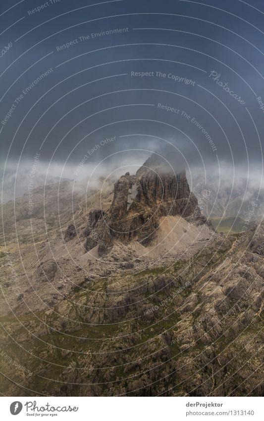 Graublaues Panorama Ferien & Urlaub & Reisen Tourismus Ausflug Abenteuer Ferne Freiheit Berge u. Gebirge wandern Umwelt Natur Landschaft Pflanze Tier Sommer