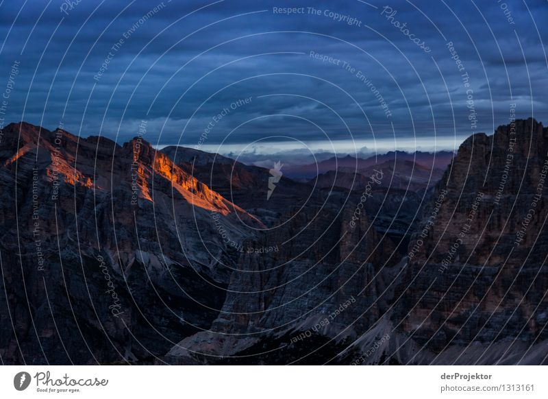 Hoffnung auf gutes Wetter Natur Ferien & Urlaub & Reisen Pflanze Sommer Landschaft Ferne Berge u. Gebirge Umwelt Gefühle Freiheit Felsen Tourismus wandern