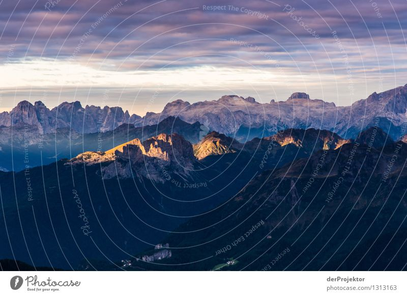 Sonnenaufgang in den Dolomiten Ferien & Urlaub & Reisen Tourismus Ausflug Abenteuer Ferne Freiheit Expedition Berge u. Gebirge wandern Umwelt Natur Landschaft