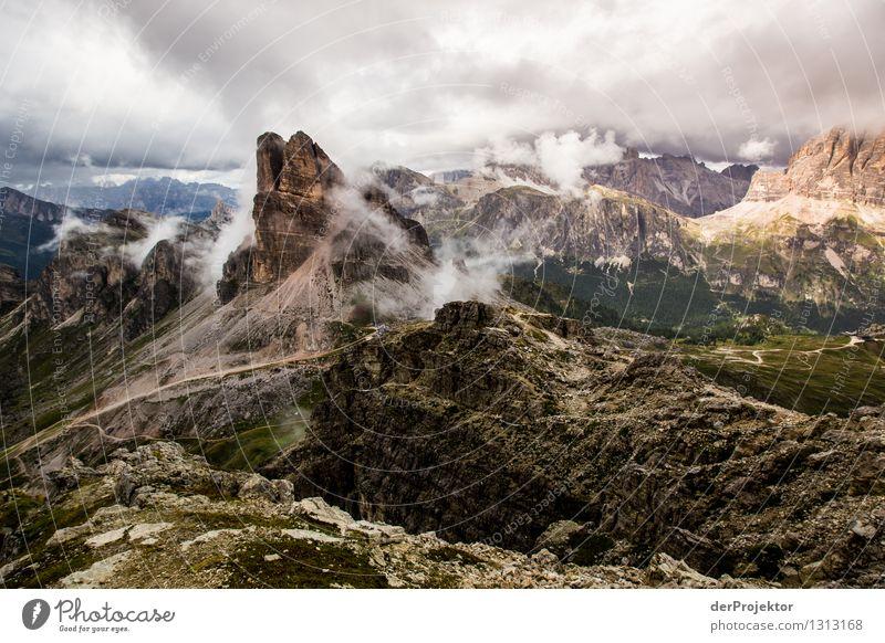 Aussicht vom Rifugio Nuvolau Natur Ferien & Urlaub & Reisen Pflanze Sommer Landschaft Tier Ferne Berge u. Gebirge Umwelt Wege & Pfade Freiheit Felsen Regen