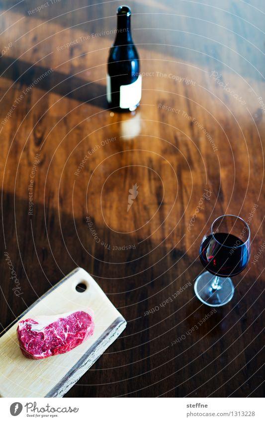 Foodfoto I Gesunde Ernährung Speise Essen Foodfotografie gesund ungesund Lebensmittel trinken Wein Rotwein Glas Fleisch Steak grillen Essen zubereiten braten