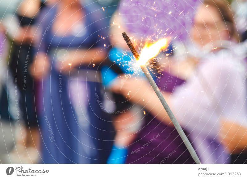 Gefunkel Feste & Feiern außergewöhnlich Party glänzend Dekoration & Verzierung Kerze violett Kitsch Veranstaltung Flamme Funken Wunderkerze Krimskrams