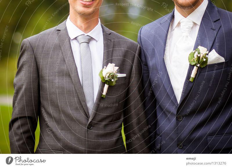 chic maskulin Junger Mann Jugendliche Erwachsene 2 Mensch 18-30 Jahre Blume Mode Krawatte grün elegant Anzug Anstecker Bräutigam Hochzeit Farbfoto Außenaufnahme