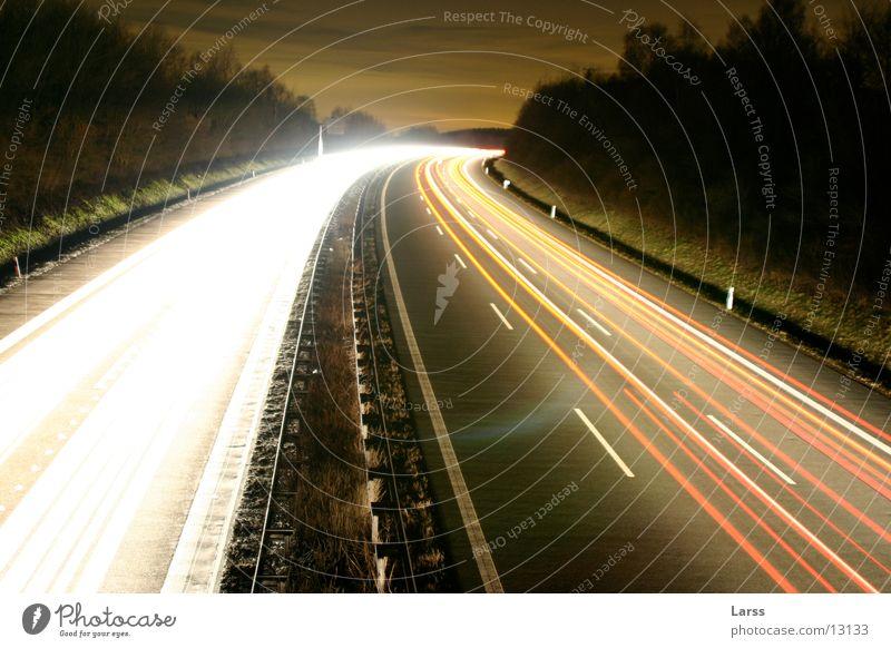 sauerlandlinie bei nacht 4 Autobahn Nacht Langzeitbelichtung Licht Geschwindigkeit Verkehr