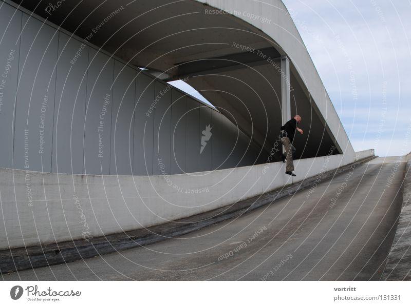 alles fällt Mensch Himmel Stadt Farbe Straße dunkel oben grau klein hell Perspektive Brücke trist unten fein graphisch