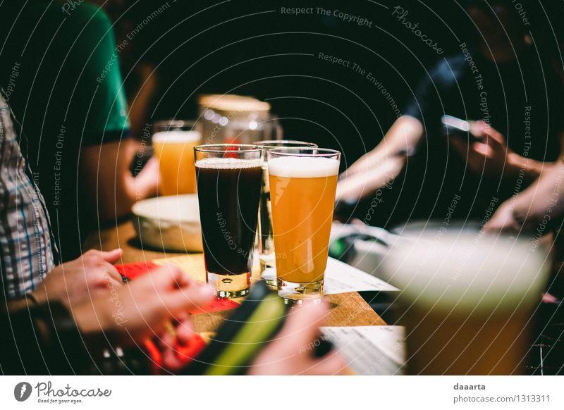 3 Biere Getränk Erfrischungsgetränk Glas Lifestyle Stil Freude Leben harmonisch Erholung Freizeit & Hobby Ausflug Abenteuer Freiheit Nachtleben Entertainment