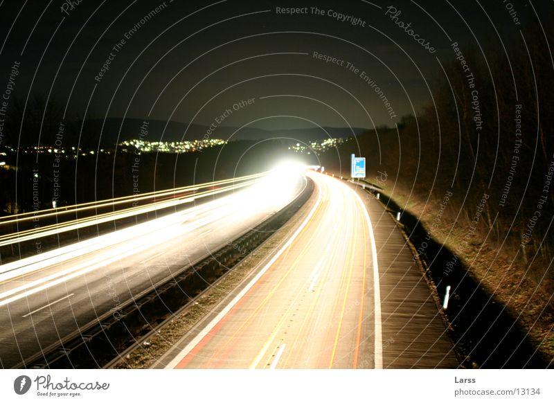 sauerlandlinie bei nacht 3 Autobahn Nacht Langzeitbelichtung Licht Geschwindigkeit Verkehr