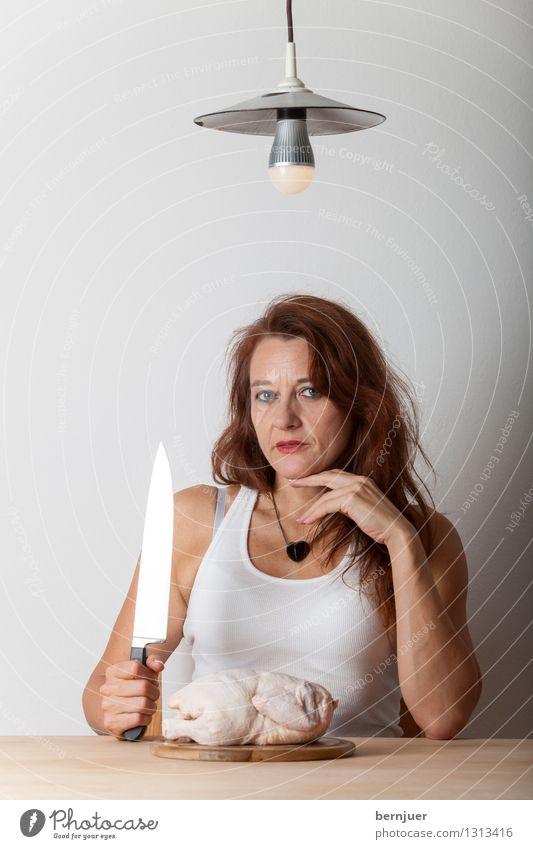 some chick Mensch Frau schön weiß Erotik ruhig Erwachsene feminin Lampe Lebensmittel Zufriedenheit authentisch sitzen Tisch Lächeln Kochen & Garen & Backen
