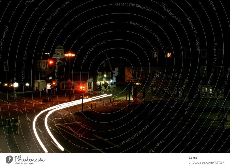 geisterfahrer Stadt Nacht Langzeitbelichtung Licht Geschwindigkeit Ampel Verkehr PKW