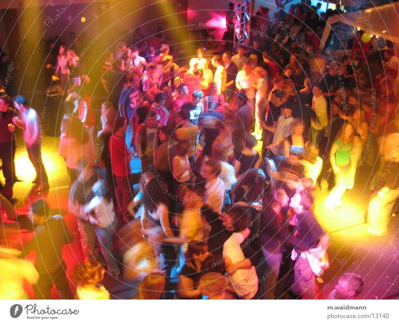 feiern im sauerland 2 mehrfarbig Menschengruppe Lampe Tanzen Feste & Feiern Jugendliche Musik