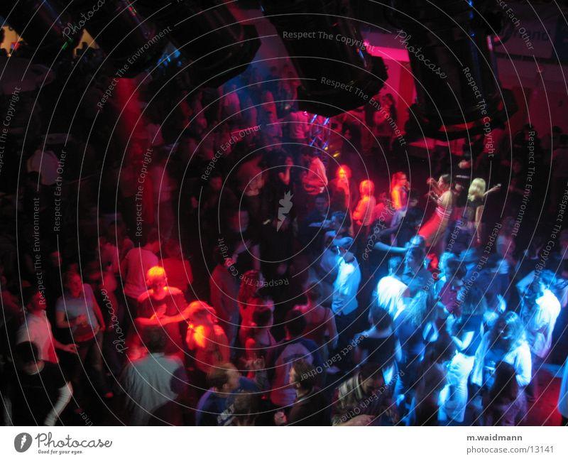 feiern im sauerland 3 mehrfarbig Menschengruppe Lampe Tanzen Feste & Feiern Jugendliche Musik