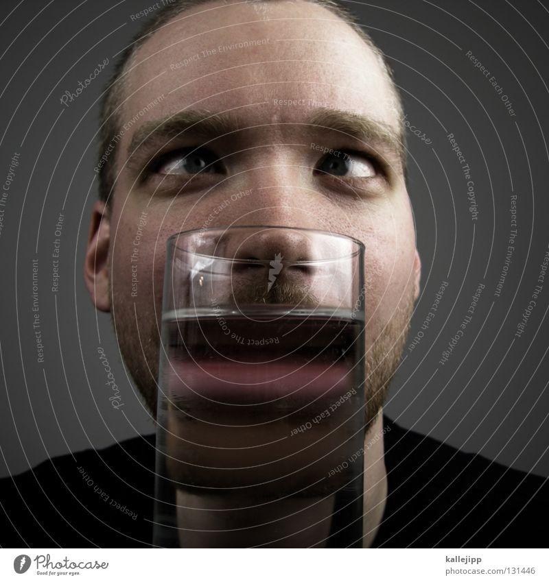 Nussknacker Mann Mensch Lifestyle Bart Gesicht Comic Behälter u. Gefäße Wasser Lippen Spirituosen Getränk Schielen Lichtbrechung vergrößert Wolf