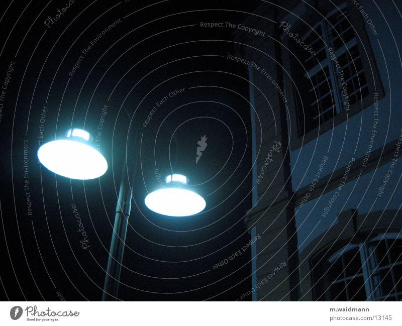 nachtleuchten 2 Lampe Licht Fenster Nacht dunkel Laterne Architektur Regen Studium