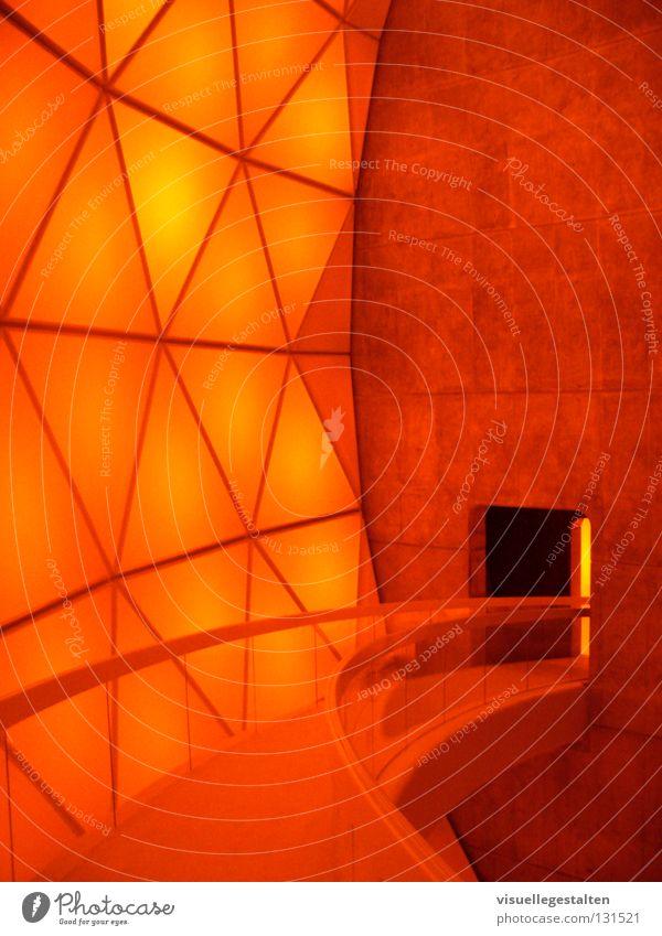 Matrimandir Raum orange Beton Konzentration Indien Gotteshäuser