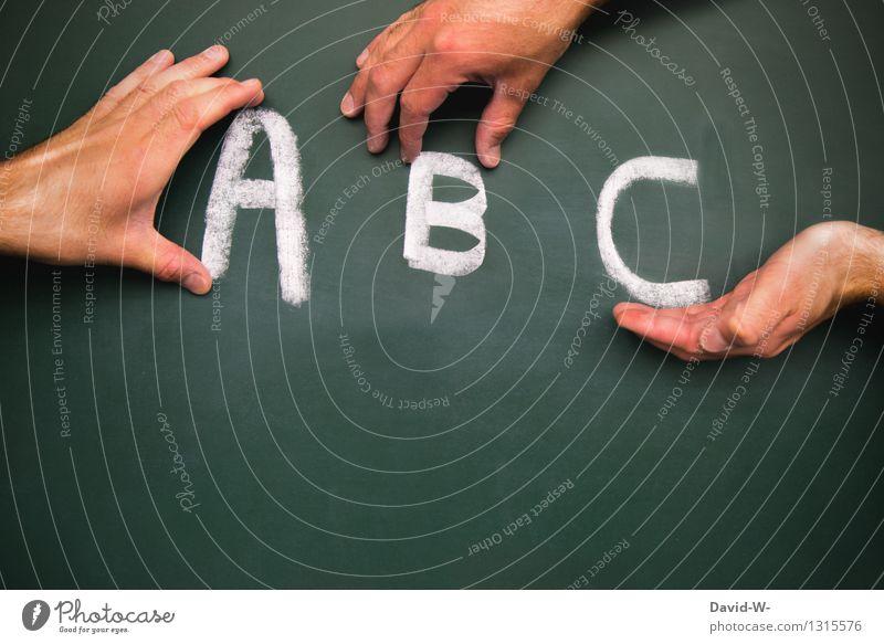 A, B und C Mensch Kind Hand Leben Schule Schriftzeichen Kindheit lernen Bildung Schüler Kleinkind Tafel Kindergarten dumm Kreide Kindererziehung