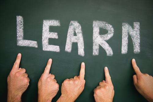 Lernen Mensch Jugendliche Mann Erwachsene Leben Menschengruppe Schule maskulin Kindheit Erfolg lernen Studium Finger Bildung Erwachsenenbildung Schüler