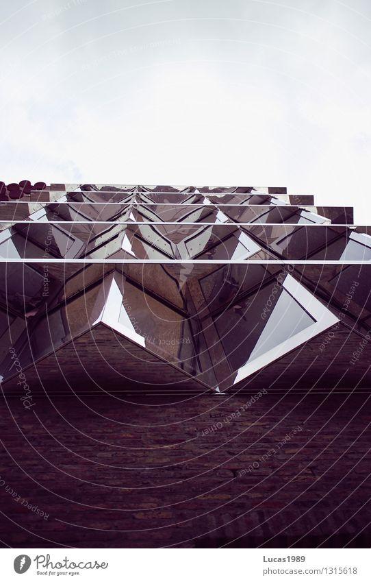 Architektur elegant Stil Design Ulm Stadt Stadtzentrum Fußgängerzone Haus Hochhaus Bankgebäude Bauwerk Gebäude Dreieck Ecke Stein Glas Himmel Mauer Wand Fassade