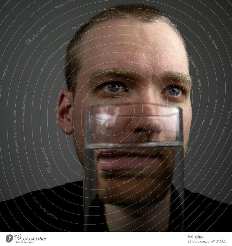 sturm im wasserGlas Mann Mensch Alkoholsucht Lifestyle Bart Gesicht Comic Alkoholisiert Behälter u. Gefäße Wasser Lippen Verschiebung Spirituosen Getränk