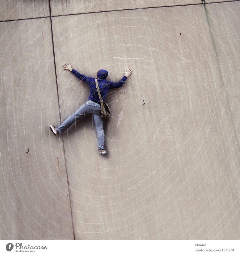 ::ABSTURZ:: fallen Mauer grau Beton Mann maskulin anthrazit Angst Panik Hemmung flattern Schweben gleiten Mensch Säugetier Lebewesen Zeitgenosse Humor Witz