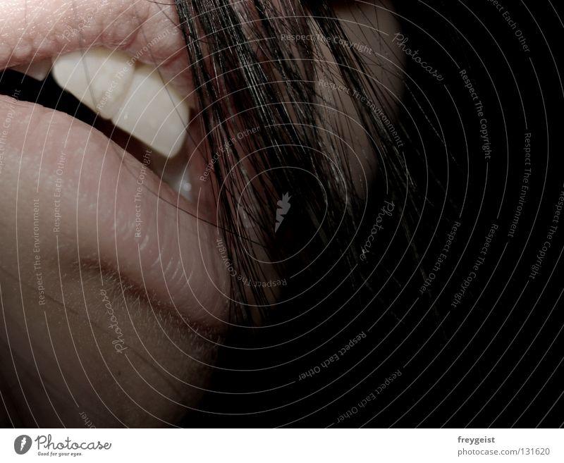 ...Sells Frau schwarz Erwachsene Gesicht Leben Haare & Frisuren Arme Mund trist Zähne