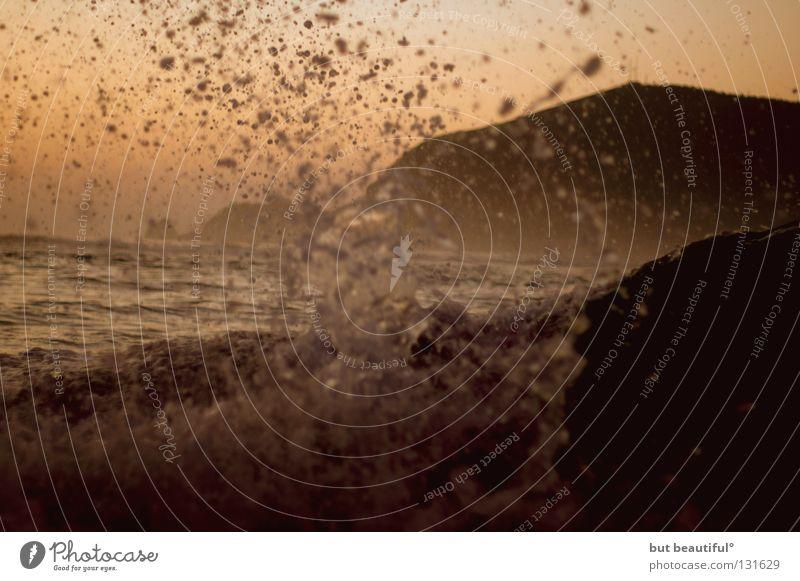und es wallet und siedet und brauset und zischt° Wasser Meer Strand See Stimmung Wellen Küste Sturm Spanien Brandung Flut Gischt
