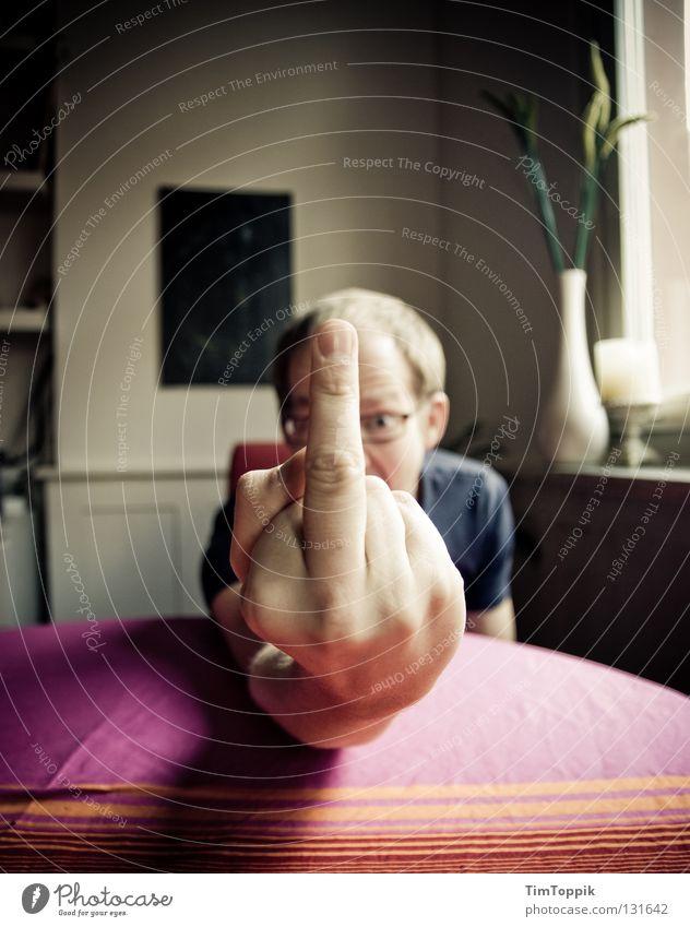 Gehaltsverhandlung Mensch Arbeit & Erwerbstätigkeit Arme Finger Wut schreien Mut sprechen Ärger Frustration Faust Banane Schock Aufregung widersetzen trotzig