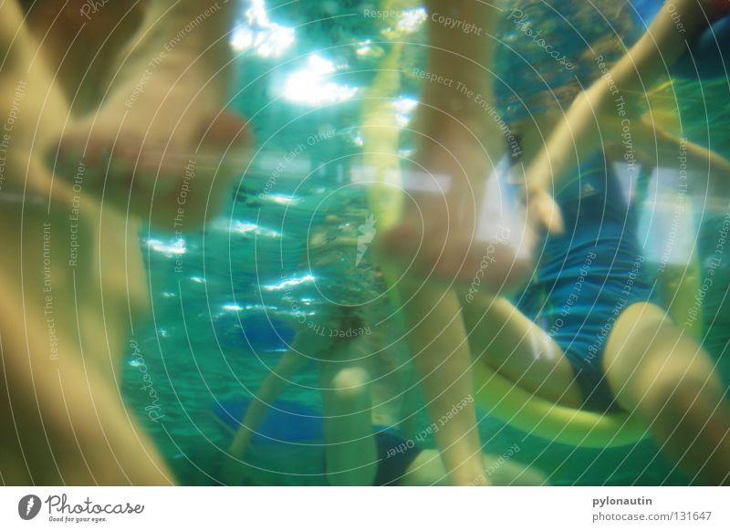 Tiefseebeine Kind blau Hand Ferien & Urlaub & Reisen Mädchen Meer Junge Haare & Frisuren Beine Luft See Fuß Schwimmen & Baden Unterwasseraufnahme Schwimmbad tauchen
