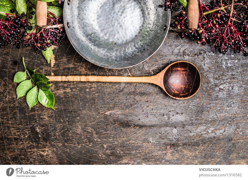 Holunder Beeren mit leeren Topf und Löffel Lebensmittel Frucht Marmelade Ernährung Bioprodukte Vegetarische Ernährung Diät Saft Stil Design Gesunde Ernährung