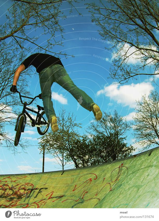 Dam he`s good Fahrrad fliegen frei verrückt Aktion fantastisch extrem BMX Bayern Stunt Sportpark Extremsport Garching