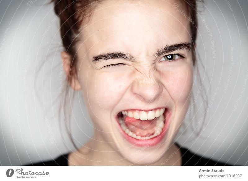 Porträt Lifestyle Stil schön Leben Mensch feminin Junge Frau Jugendliche Kopf 1 Kommunizieren Lächeln lachen frei Fröhlichkeit trendy klug Gefühle Freude