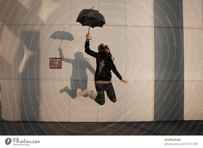 FREI SEIN Mensch Frau Jugendliche Freude Einsamkeit feminin Wand Leben Bewegung Freiheit Glück springen lustig träumen Zufriedenheit fliegen