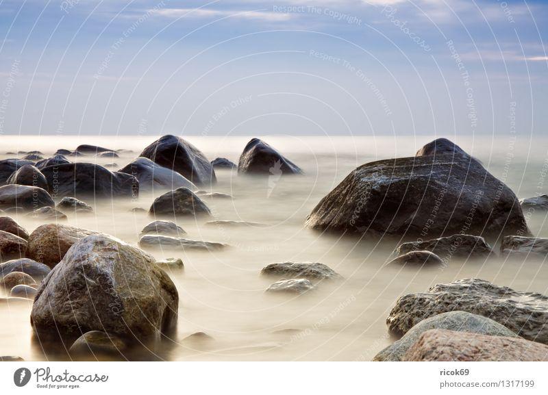 Felsen Natur Ferien & Urlaub & Reisen blau Wasser Erholung Meer Landschaft Wolken Strand Küste Stein Idylle Romantik Ziel Ostsee