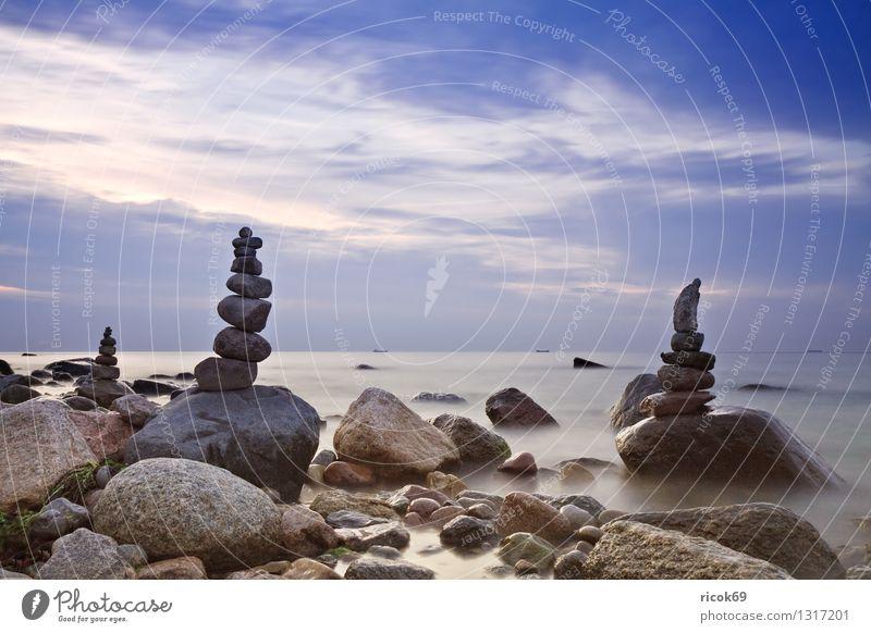 Steintürme Erholung Ferien & Urlaub & Reisen Strand Natur Landschaft Wasser Wolken Felsen Küste Ostsee Meer Turm Wasserfahrzeug blau Romantik Idylle Ziel