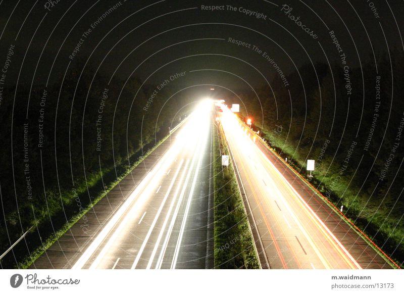 nachtbaustelle 2 Autobahn PKW Lastwagen Nacht dunkel Baustelle Verkehr Langzeitbelichtung Belichtung Schilder & Markierungen Straße Licht Lampe