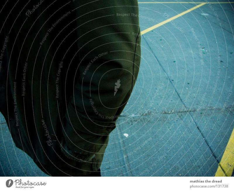 ALLEINESEIN blau weiß schwarz gelb Straße grau Wege & Pfade Stein Beine hell Fuß Linie Beleuchtung Schuhe dreckig warten