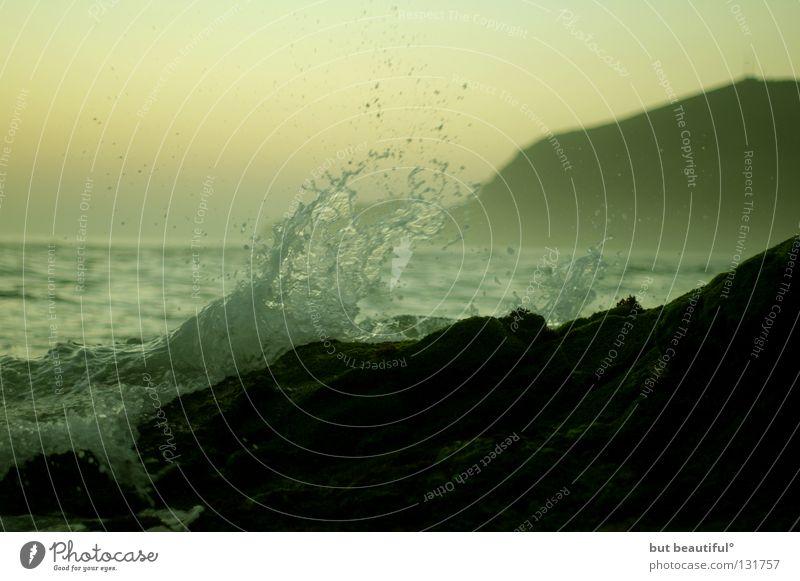 bis zum himmel spritzet die dampfende gischt° Wellen Meer Unendlichkeit Brandung Küste Stimmung Dämmerung Spanien Sommer Sonnenuntergang schön Strand Farbe