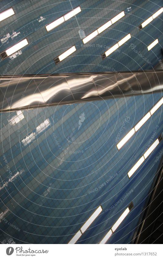 Untergrund-Beleuchtungs-Fetischismus Technik & Technologie Energiewirtschaft Hauptstadt Stadtzentrum Menschenleer Haus Bahnhof Tunnel Bauwerk Gebäude
