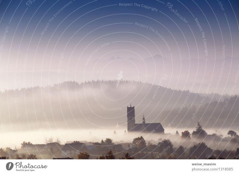 Morgen in Kleinpolen Himmel Natur Pflanze blau schön Baum Landschaft Wolken Haus Wald Berge u. Gebirge Umwelt Wand Herbst Gras Mauer