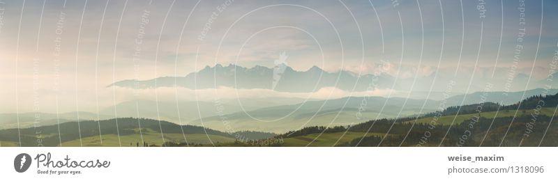 Morgen mit Blick auf Tatra Natur Landschaft Sand Luft Himmel Wolken Herbst Klima Wetter Nebel Baum Gras Sträucher Garten Wiese Feld Wald Hügel Felsen