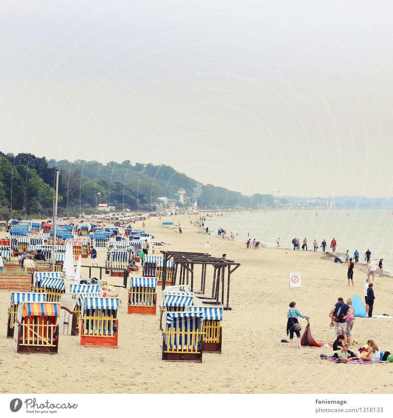 Timmendorfer Strand Erholung Natur Landschaft Sand Sommer schön Wolken Dunst Ostsee Strandkorb Spaziergang Meer Deutschland blau kalt Idylle Uferpromenade