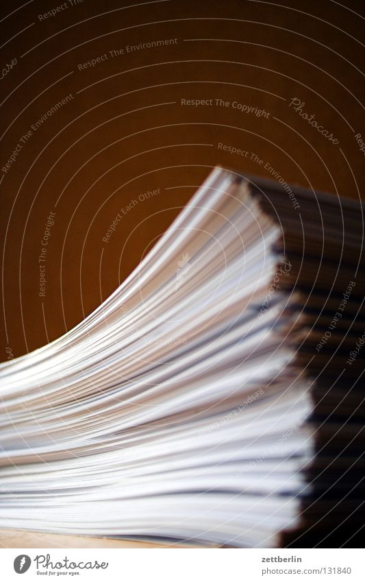 Einladungskarten Arbeit & Erwerbstätigkeit mehrere Kommunizieren Papier viele Postkarte Schriftstück Druckerzeugnisse Stapel Haufen stoßen Druckerei Tick