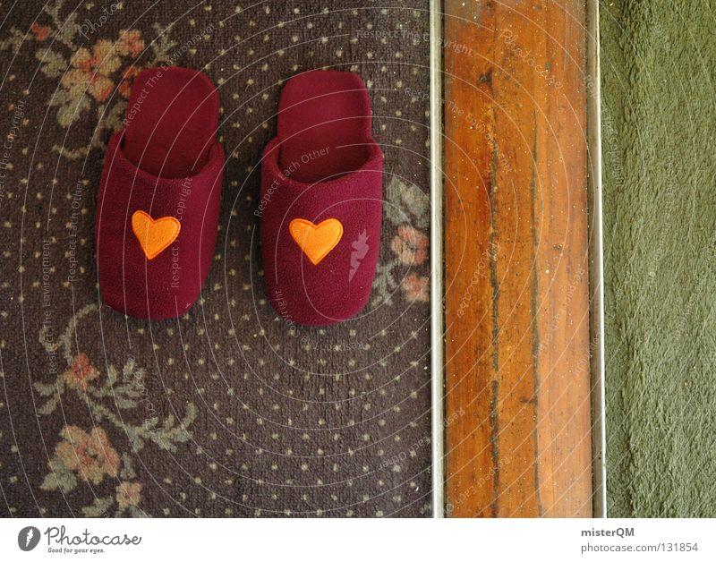 Symmetrie im Alltag. Ferien & Urlaub & Reisen grün Blume Farbe Haus Erholung Liebe Holz Stil Mode Fuß braun orange Schuhe Wohnung rosa