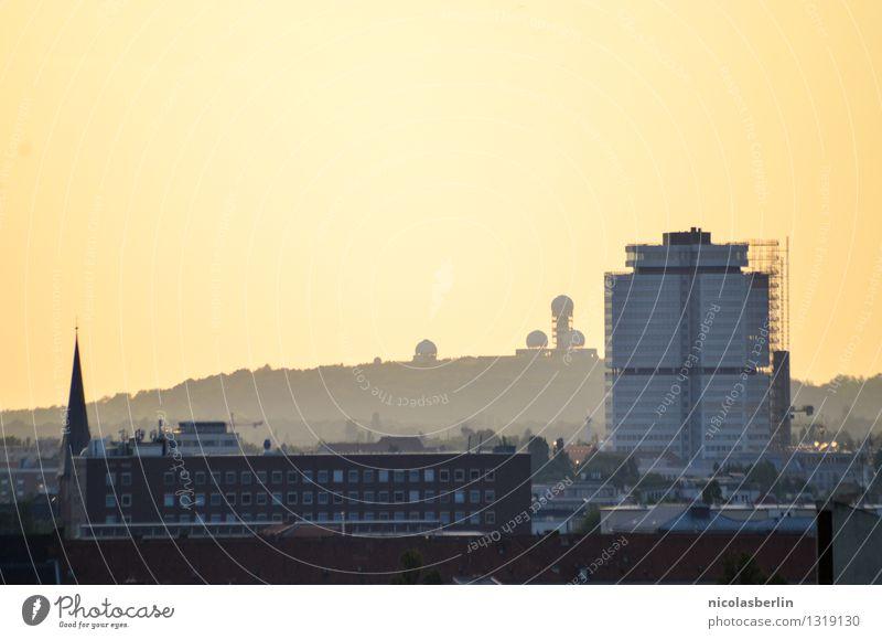 Berliner Ansichten Ferien & Urlaub & Reisen Tourismus Ausflug Abenteuer Ferne Sightseeing Sommer Sonne Umwelt Wolkenloser Himmel Schönes Wetter Hauptstadt Haus