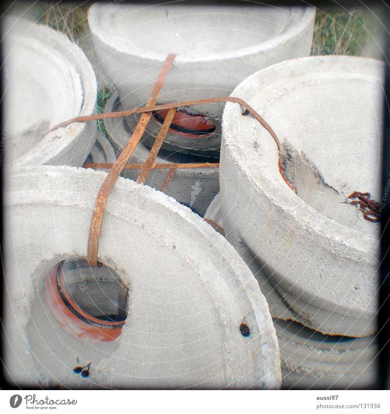 Zusammenhalt Arbeit & Erwerbstätigkeit Ordnung Beton Baustelle Sturz Handwerk Material Stapel Bauarbeiter Verbundenheit Anordnung Treue Sucher abstützen