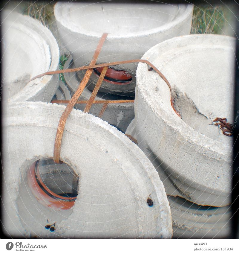 Zusammenhalt Truppe Verbundenheit Treue Beton aufräumen Material Gewerbegebiet Hausbau Arbeit & Erwerbstätigkeit Hochbau abstützen Sturz Bauarbeiter Prisma