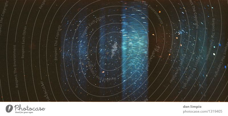 deeper than the ocean Nachthimmel Stern Bewegung drehen entdecken glänzend leuchten träumen dunkel fantastisch gigantisch Unendlichkeit hell kalt viele blau