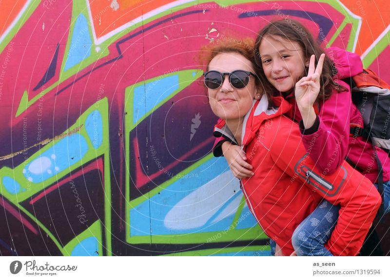 Be positive Mädchen Frau Erwachsene Mutter Familie & Verwandtschaft Kindheit Hand Finger 2 Mensch 8-13 Jahre 30-45 Jahre Mode Bekleidung Jacke Sonnenbrille