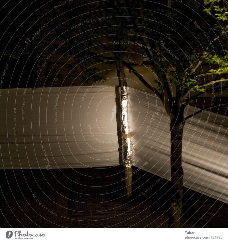 Wrapped I Baum dunkel Seil Eisenbahn geschlossen Dekoration & Verzierung Theater Bühne Kino Verkehrswege führen Barriere erleuchten Bühnenbeleuchtung lenken gesperrt