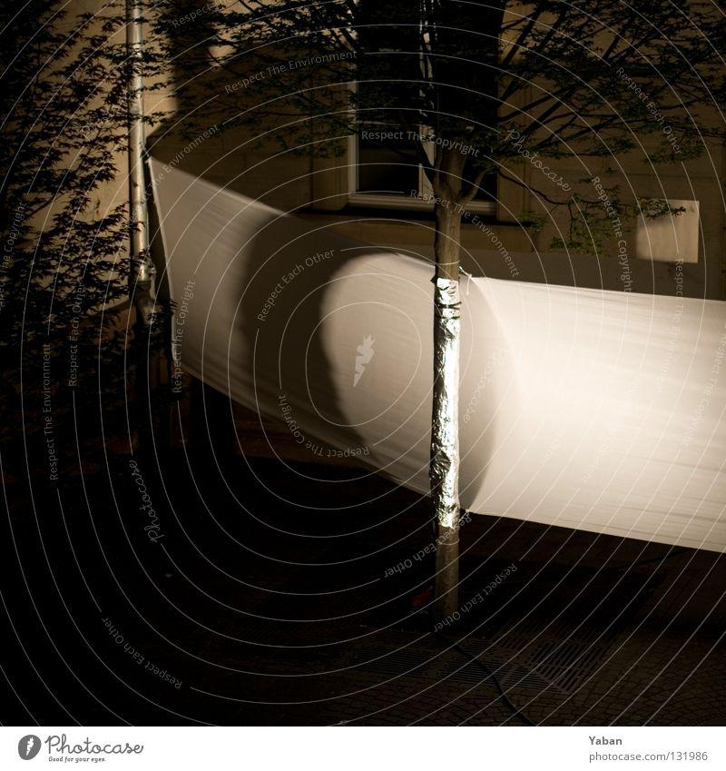 Wrapped II Baum dunkel Seil Eisenbahn geschlossen Dekoration & Verzierung Theater Bühne Kino Verkehrswege führen Barriere erleuchten Bühnenbeleuchtung lenken gesperrt
