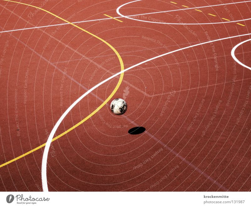 Kosmos weiß rot gelb Sport Spielen Linie Fußball Feld fliegen Schilder & Markierungen Kreis Luftverkehr Platz Ball Sportplatz rund